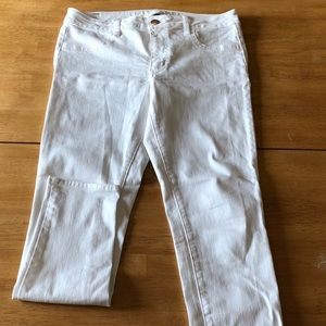 American Eagle Size 12 White Skinny Jeans